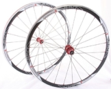 28 Zoll Novatec Carbon/Alu Rennrad Laufradsatz rot / Mach1 VIA32 / DT Competition 1710 g - 1