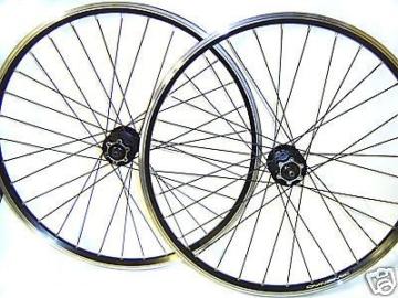 Laufradsatz MTB 26″ Shimano DEORE 475 Disc Schwarze Speichen Scheibenbremse -