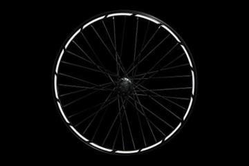 Reflektoren-Aufkleber fürs Fahrrad - 40 Streifen im Set - optimal für 27,5″ 28″ und 29″ Felgen - Farbe schwarz (weiß reflektierend) - hochwertige Sticker aus robuster 3MTM Qualitäts-Reflexfolie - 4